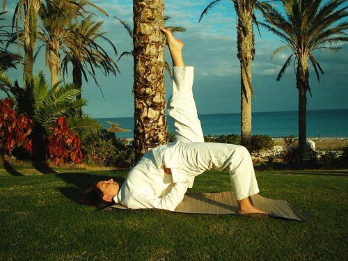 Yoga, Fettverbrennung, Kalorienreduzierung, Brücke, Setubandhasana, Abnehmen, Wunschgewicht