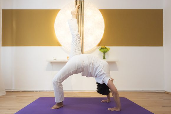 Yoga, Abnehmen, Chakrasana, Fettverbrennung, Wunschgewicht